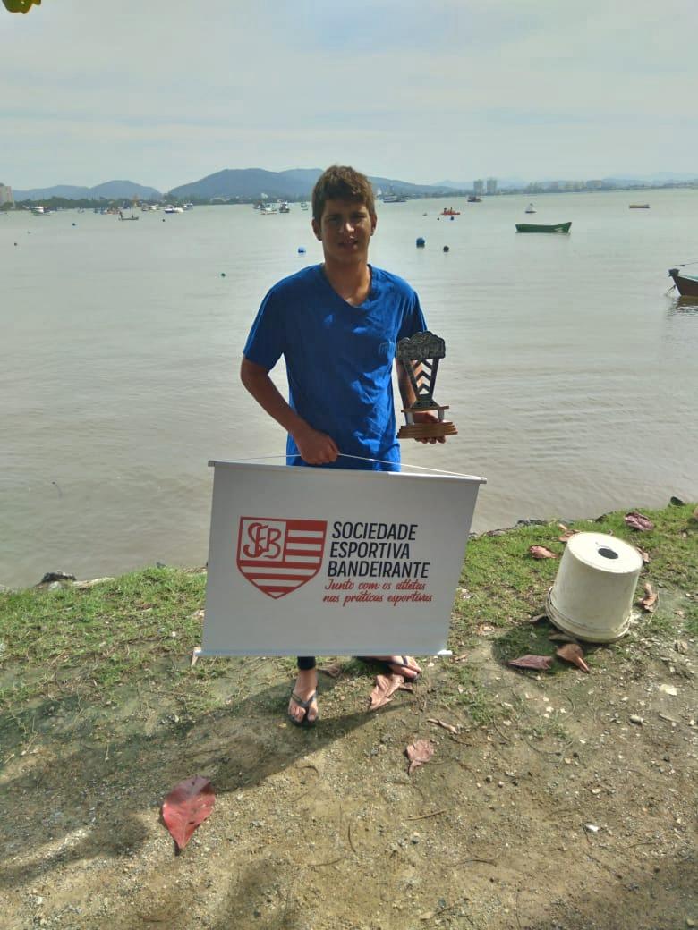 """Nadador """"Motorzinho"""" completa ultramaratona de 27km"""